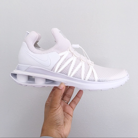 newest 0bf0c 8173f Nike Shox Gravity White Mens Shoes